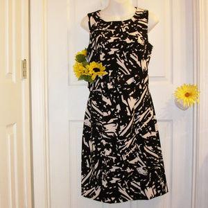 VOIR VOIR Sleeveless Belted Dress Black & White